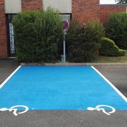Marquage place handicapée - Angers - TRACE PLUS