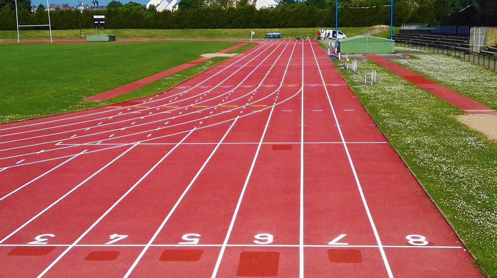 Retraçage lignes Piste Athlétisme - Bordeaux - Trace Plus